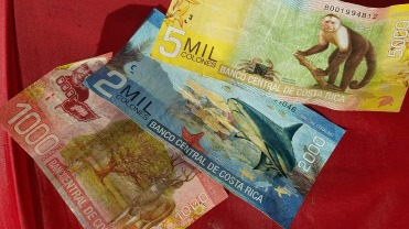 Very colorful Costa Rican money