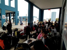Venezuelans entering Peru
